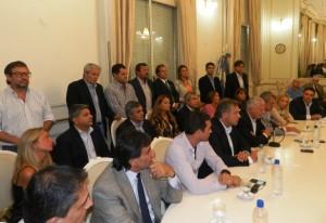 Chicana: el massismo elogia a Scioli por copiar su agenda
