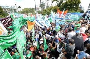 La Justicia le exige a Vidal reabrir la paritaria estatal