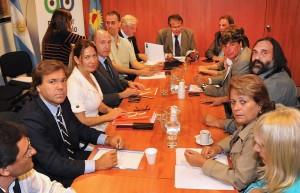 El Gobierno y el Defensor del Pueblo, junto al Frente Gremial Docente