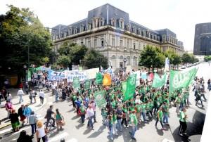 Gremios preparan una movilización contra la Emergencia Administrativa