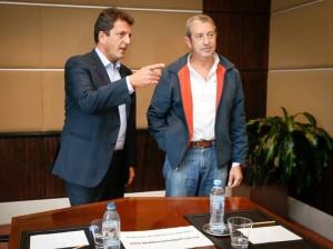 """Massa y Cobos, ante """"un proyecto que va a contramano"""""""