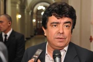 Cristina habría dado el ok para que Espinoza busque la gobernación