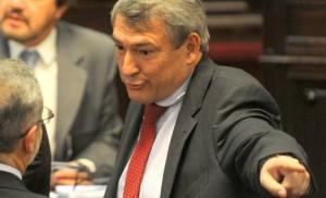 """El massismo acusó a Vidal de """"extorsiona a los votantes"""""""