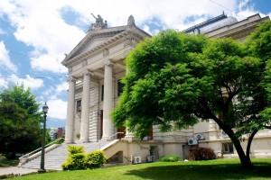 El massismo quiere que se dé marcha atrás con la Ley de Municipales