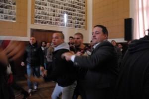 Removieron a Baragiola después de una sesión escandalosa