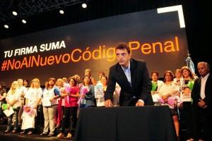 Massa presenta su propio proyecto de reforma del Código Penal