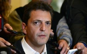 Massa entierra un posible acuerdo con Macri al iniciarle una querella a Carrió
