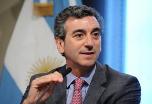 """Randazzo, a la carga contra el """"doble discurso"""" de Scioli"""