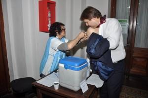 Jornada de vacunación y homenajes en el Concejo