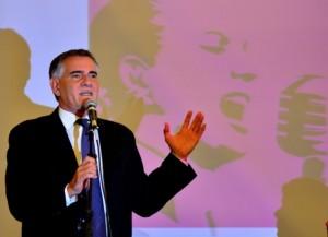 Movimientos K en la Provincia: Castagneto se bajó y Domínguez se mantiene