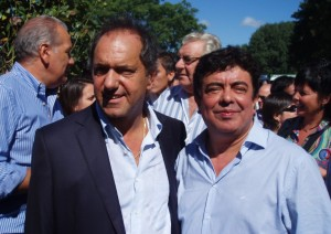 Scioli se plantó ante la idea de Cristina de bajar listas en la Provincia y bancó a Espinoza
