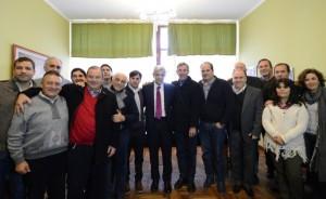 Domínguez refuerza su campaña con un encuentro con intendentes