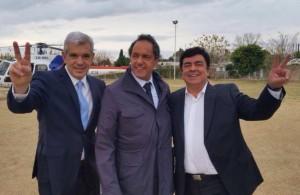 Scioli busca un equilibrio y se mostró con Domínguez y Espinoza