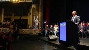 """En La Plata, Scioli llamó a """"votar a favor de esta Ciudad"""""""