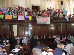 Aprueban sesión de tierras en una jornada marcada por el portazo de la oposición