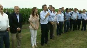 En un fuerte gesto a favor del campo, Macri eliminó retenciones