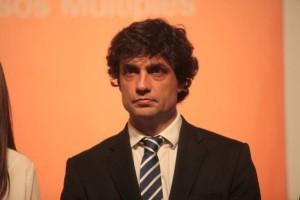 Con los estatales movilizados, Lacunza habló de un techo a las paritarias