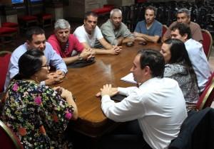Garro quiere evitar nuevos conflictos y prepara un Estatuto de Municipales