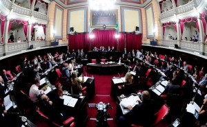 Lacunza baja a la Legislatura a defender el Presupuesto