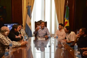 Garro cierra filas con Rodríguez Larreta y le declara la guerra a Uber
