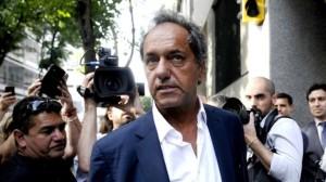Scioli, aislado, se autoexcluyó de pelear por una candidatura