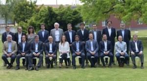 Vidal le da más funciones a su gabinete ante una Provincia colapsada