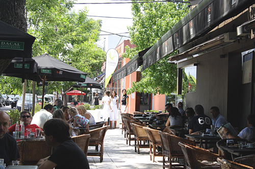 La municipalidad planifica mejoras para los centros comerciales de La Plata. City Bell está en los planes.