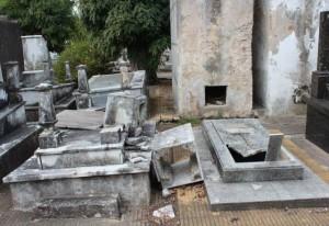 """Aseguran que el Cementerio """"está en decadencia"""" y exigen obras para mejorarlo"""