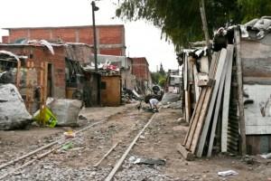 Aseguran que hay 1,5 millones más de pobres desde el último año