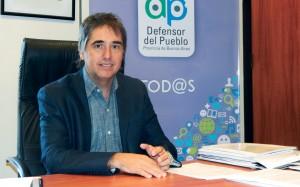 Lorenzino cruzó a Vidal por el aumento de los peajes