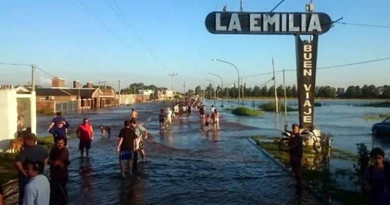 La localidad nicoleña de La Emilia, tapada por el agua.