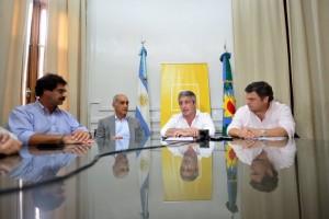 Con Vidal de vacaciones, el gobierno busca mostrarse en los distritos inundados