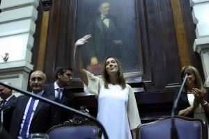 Vidal sacudió a los gremios docentes y les pidió levantar el paro