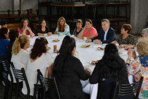 En pleno paro docente, Vidal y Macri visitaron un comedor atendido por voluntarios