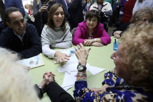 Vidal se mostró junto a Ocaña en un centro de jubilados de Morón