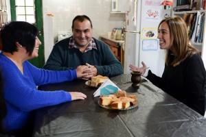 Vidal refuerza la campaña de Cambiemos y se muestra con vecinos