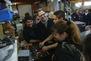 Perechodnik, en el centro de reciclado de basura informática de la UNLP