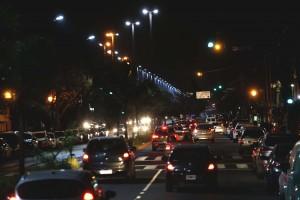El Municipio avanza con la modernización del sistema lumínico de la avenida 13