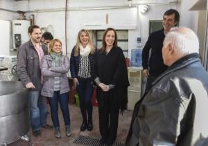 Vidal llevó de visita a los candidatos a una fábrica de cerveza artesanal