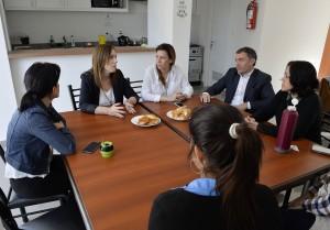 Vidal visitó un hogar que da protección a víctimas de violencia de género