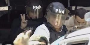 """El """"Pata"""" Medina, con casco y chaleco antibalas en los tribunales"""