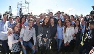 """CFK, acto paralelo al coloquio de IDEA y contra los """"señores sabelotodo"""""""