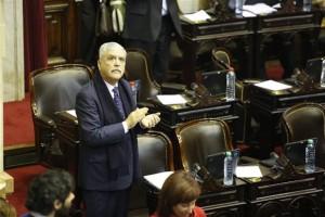 Cercado por la Justicia, De Vido pidió licencia en Diputados