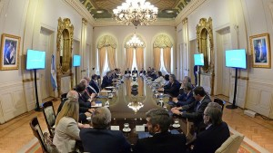 Macri acordó un pacto fiscal con los gobernadores