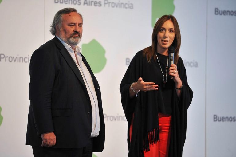 La gobernadora de la provincia de Buenos Aires, María Eugenia Vidal, junto al ministro de Gobierno, Joaquín de la Torre, anuncian el plan de documentación para recién nacidos.