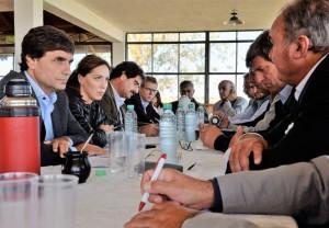 Vidal anunció créditos, beneficios impositivos y obras para el campo
