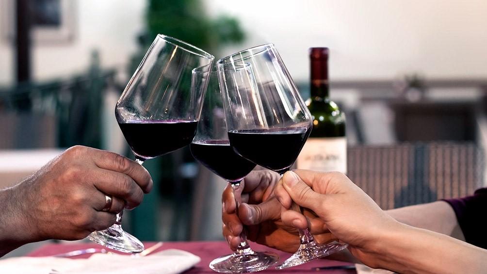 Copas y vinos