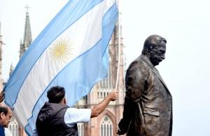 Salvador, Cornejo, Marcos Peña y Vidal inauguraron el monumento a Alfonsín