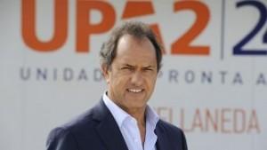 Un fiscal pidió que se prohíba a Scioli salir del país