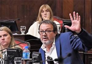 El Senado aprobó los cambios al jury y la rebaja de tasas en los servicios